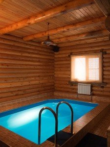 Бассейн в бане – не роскошь, а реальность