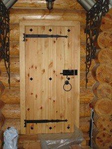 Деревянные двери для парильни