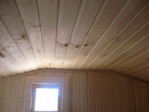 Настильный банный потолок