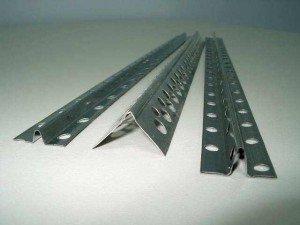 Маяки для бетонной стяжки пола: правила и способы их установки